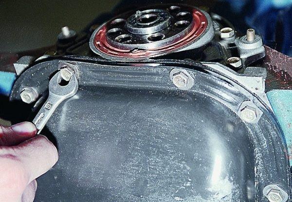 Демонтаж блока мотора