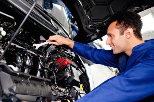 Работы по двигателю лучше доверить профессионалам